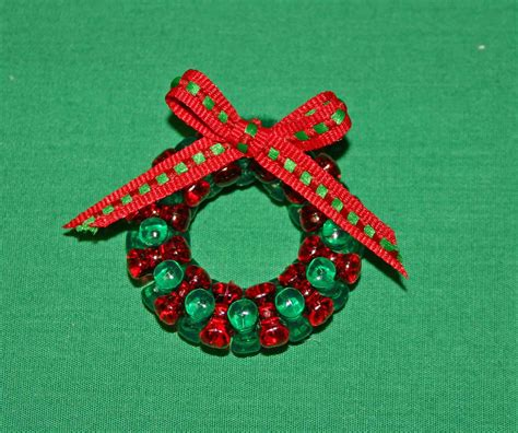 funezcrafts beaded christmas wreath