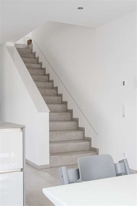 Treppe In Betonoptik by Geflieste Treppe In Betonoptik Fliesen Vlady