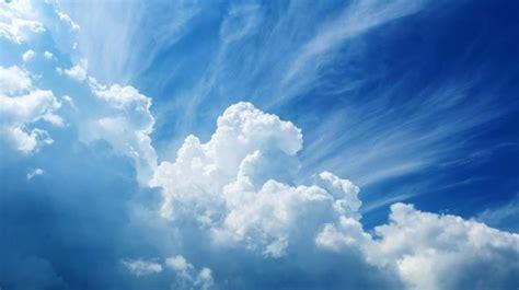 astronom mendeteksi sepasang awan debu mengorbit bumi