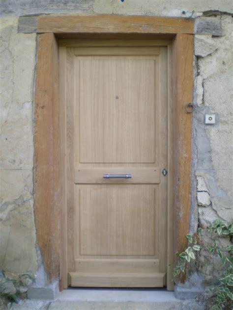 cuisine porte d entr 195 169 e battante en bois massif semi vitr 195 169 e malia portes bois massif belgique