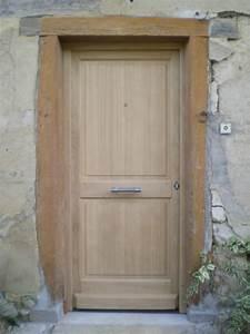 portes bois fabrication et pose de menuiseries a grenoble With porte d entree en bois massif