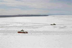 Icy, Traffic, Jam, On, Lake, Superior, Has, 18, Ships, Stuck, The