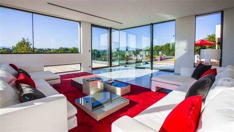 cuisine design bois location villa contemporaine avec piscine au pays basque