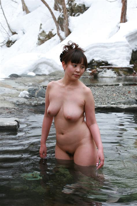 Thick Asian Woman Standing In Hot Spring Sexytimechi