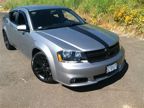 car  dodge avenger  sxt stripe