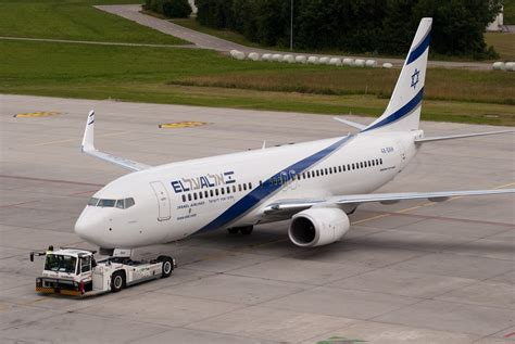 El-al-b737-800-with-winglets-during-pushback-at