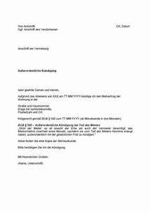 Mietvertrag Zwei Mieter Einer Zieht Aus : vorlage wohnungsk ndigung k ndigung vorlage ~ Lizthompson.info Haus und Dekorationen