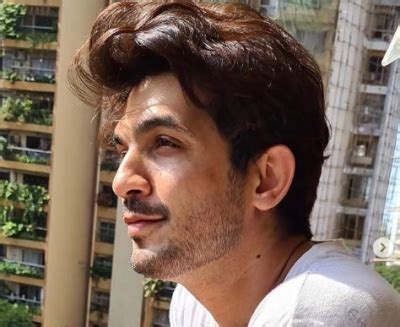 Arjun Bijlani quarantines himself after his wife tests ...