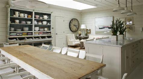 mesa decapada en blanco restauracion muebles antiguos