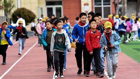 จีนมีประชากร 1,410 ล้านคน แต่อัตราการเพิ่มขึ้นช้าสุดในรอบ ...