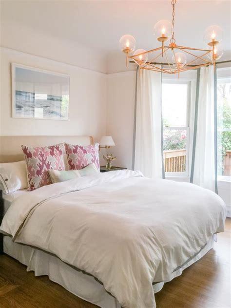 feng shui bedroom feng shui your bedroom hgtv 11540 | FOD16 Braun Adams Colorful Bedroom 1.jpg.rend.hgtvcom.616.822