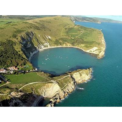 Lulworth Cove - Dorset's Gem for JanuaryOutdoorLads