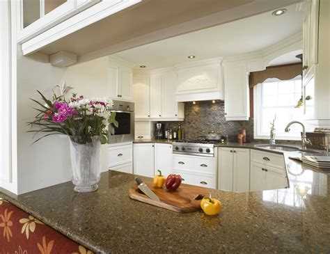 granite cuisine blanche armoire cuisine bois érable granit
