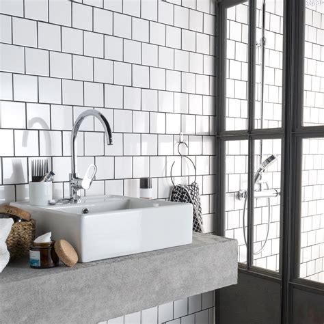 faience cuisine et blanc carrelage salle de bain beige