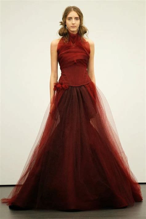 vera wang sees red  spring  brides