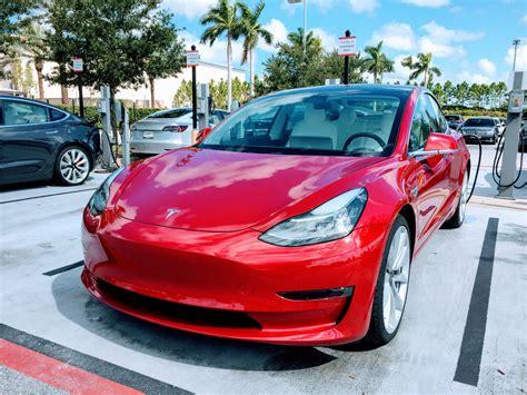 Tesla Car : Tesla Model 3 Performance Is A Freakin' Race Car