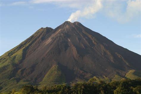 cheifaqua2 composite volcanoes