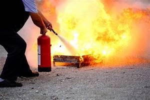 Welcher Estrich Ist Besser Bei Fußbodenheizung : welcher feuerl scher ist besser feuer oder schaum ~ Orissabook.com Haus und Dekorationen