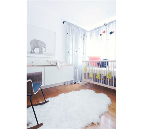 papier peint multicolore chambre inspiration déco chambre bébé
