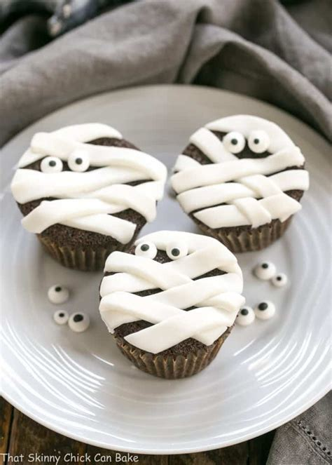 chocolate mummy cupcakes  skinny chick  bake