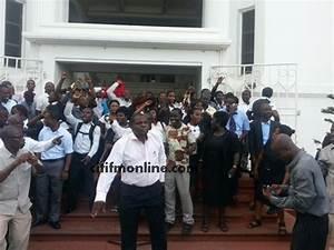 Judicial Service workers declare indefinite strike