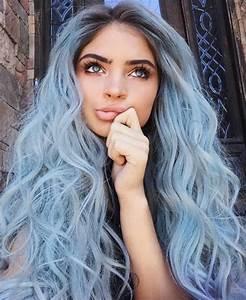Haarfarbe Schwarz Grau : 1001 ideen f r coole frisuren zum thema blaue haare ~ Frokenaadalensverden.com Haus und Dekorationen