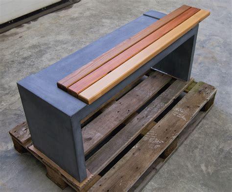 betonbank mit holzauflage b 228 nke und tische aus sichtbeton anthrazit betongrau uvm