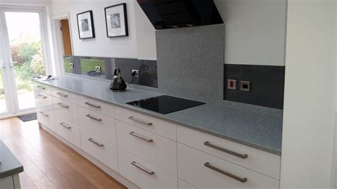 coloured splashbacks kerry kingdom glass