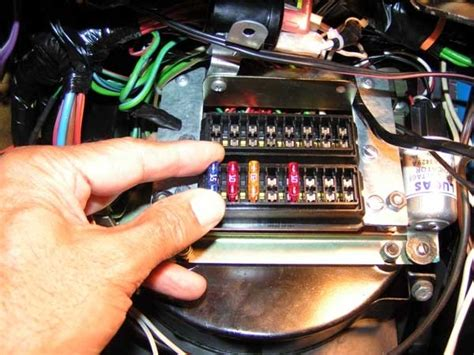 Aftermarket Fuse Box by Aftermarket Fuse Box Fuse Box And Wiring Diagram
