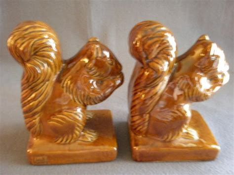 briggle squirrel l briggle pottery pair figural squirrel bookends