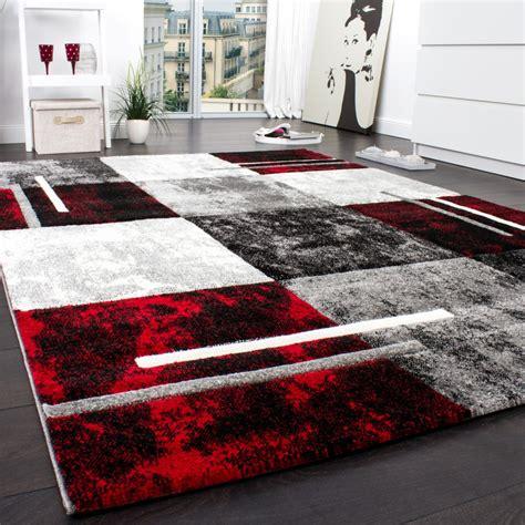 teppich schwarz grau designer teppich modern mit konturenschnitt karo muster grau schwarz rot restposten