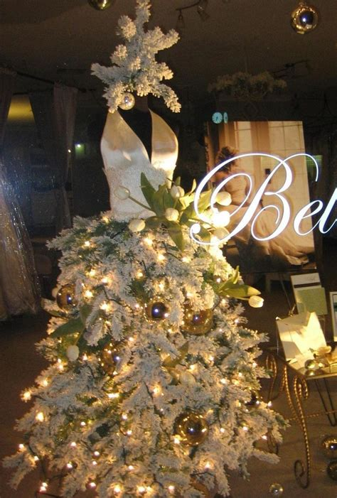 Flocking Christmas Trees Diy by Christmas Display Mannequin I Like The Idea Of Flocking