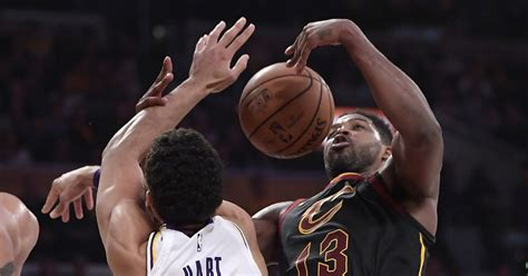 Cavs stun Lakers 101-95 to end 12-game losing streak ...