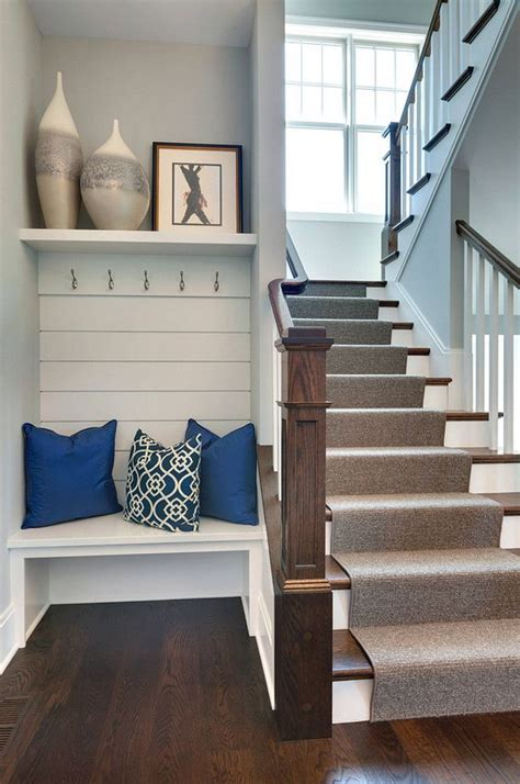 Decorating Ideas Small House by Best 25 Small Foyers Ideas On Small Entryways