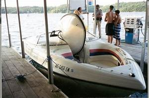 1969 Evinrude Lark Outboard Motor Picture  1974 40hp