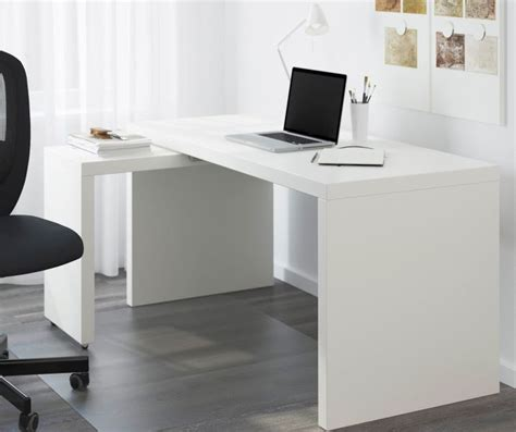 scrivania per pc ikea scrivania ikea funzionalit 224 accessibile tavoli
