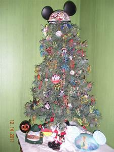 "Our Christmas Tree ""Went Disney"": VOTE NOW!WDW Radio"