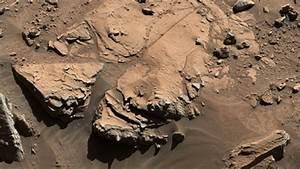 Curiosity rover examines third potential drill spot - CBS News
