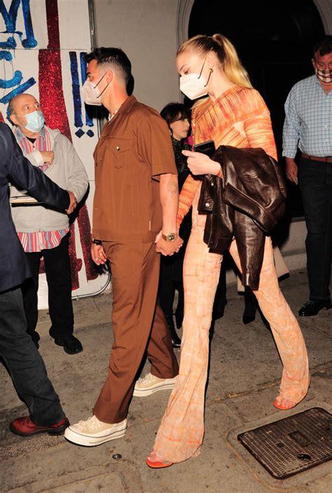 Joe Jonas & Sophie Turner Rock Orange Outfits On Rare Date ...