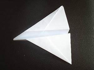 die besten 25 papierflieger falten ideen auf pinterest With französischer balkon mit origami sonnenschirm faltanleitung