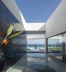 Contemporary, Elliptical, House, With, Organic, Architectural, Design
