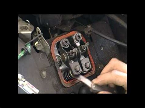 Lawn Mower Repair Valve Adjustment Briggs and Stratton V ...
