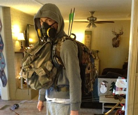homesteaders  preppers whats  difference