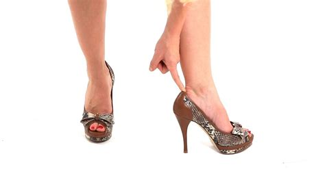 How To Make Sure Heels Fit Correctly