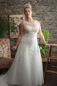 White ivory lace plus size wedding dress bridal gown for Wedding dresses size 24 plus