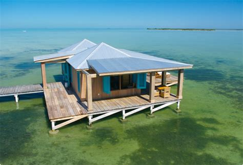 Exclusive Onebedroom Overwater Bungalow Belize