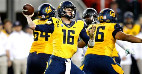 qb jared goff breaks cals  time records  passing