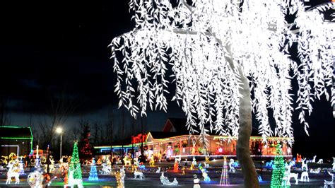 8 must see holiday light displays in edmonton area