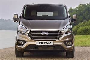 Nouveau Ford Custom : ford restylage pour les tourneo custom et transit custom ~ Medecine-chirurgie-esthetiques.com Avis de Voitures