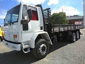 Ford Cargo 1622 6x2 Carroceria 1995 Reduzido